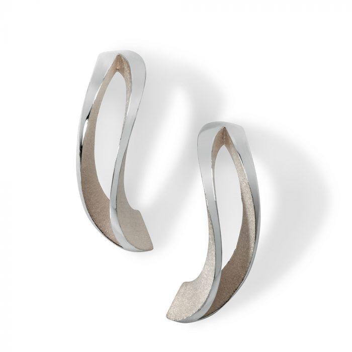 2-way twist earrings - white