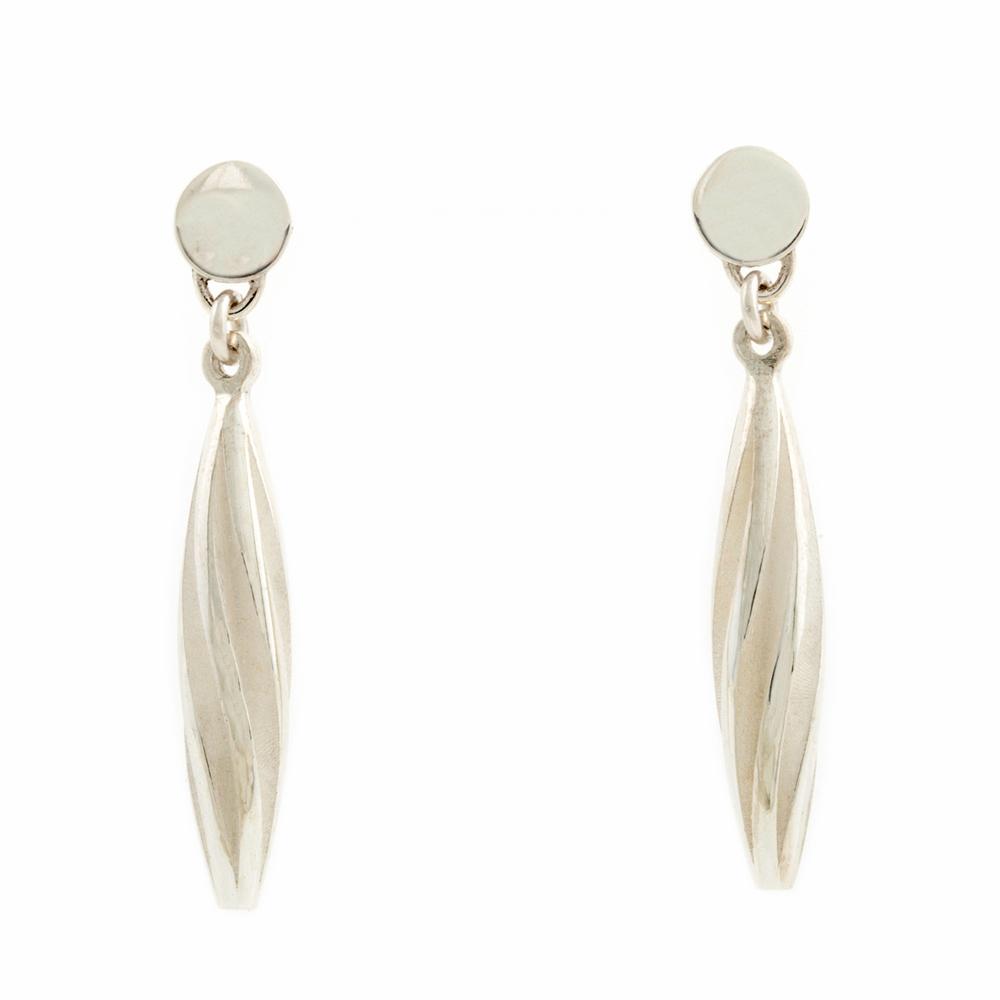Beat twist earrings - white