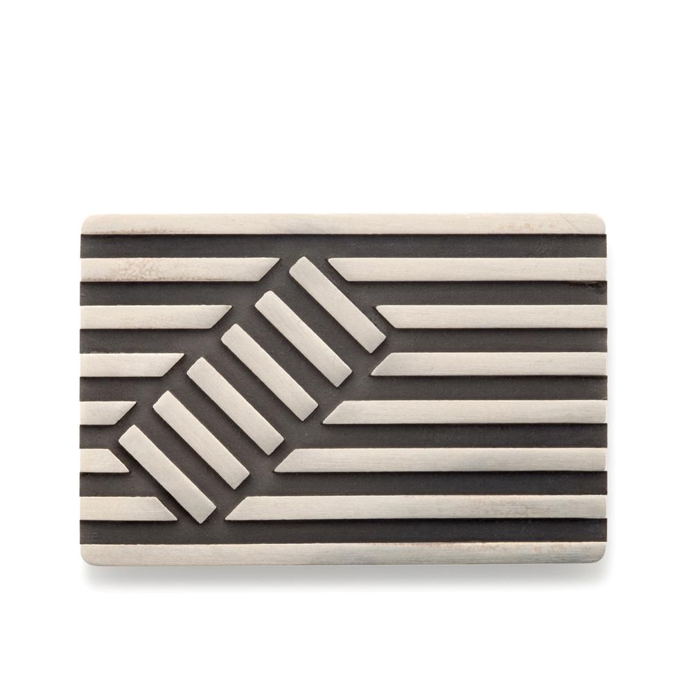 Deck brooch