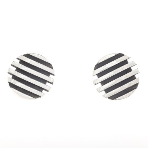 escalator round stud earrings