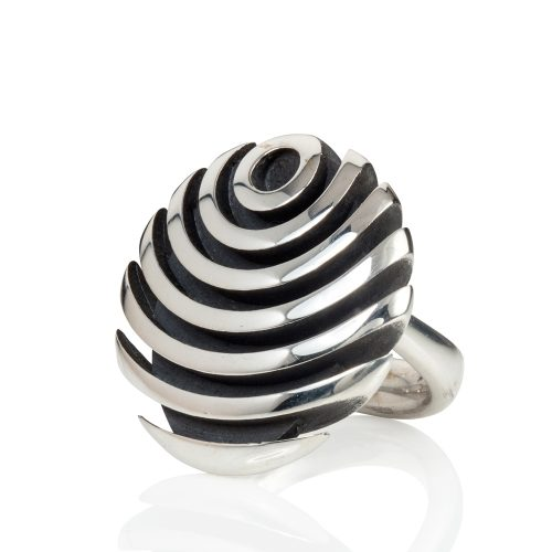 fish button ring - oxidised