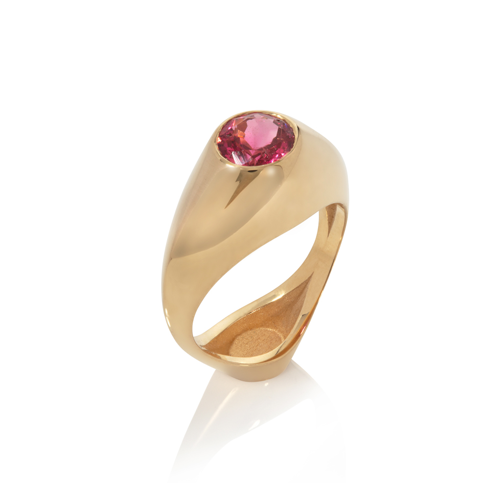 18ct gold vessel ring - spinel