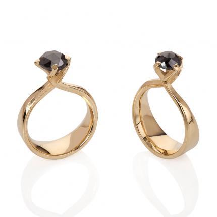 black-diamond-twist-ring-18ct-gold-Sarah-Herriot-Jewellery