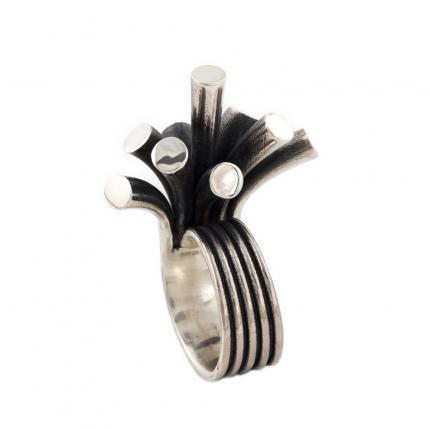 splash-ring-silver-oxidised-Sarah-Herriot-Jewellery